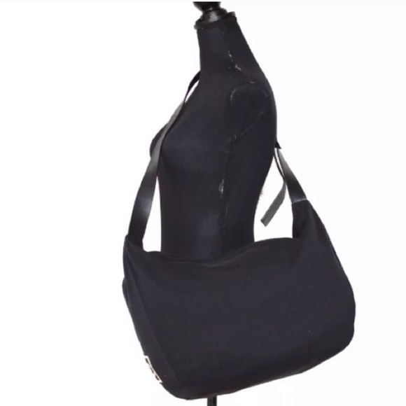 6d0d2c0869bd CHANEL Bags   Cross Body   Poshmark